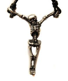 Hängande skelett halsband