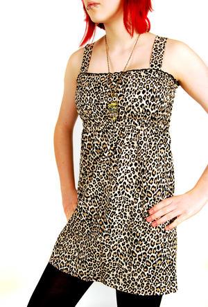 Give More - Smock Dress Leo