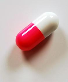 Rosa/vit tablett - piercingsmycke